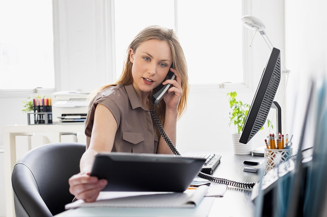 Контактные линзы ACUVUE® для людей, длительное время проводящих за экранами мониторов