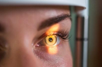 Для підбору контактних лінз ACUVUE® зверніться до фахівця